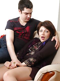 Mom vs Boy Porn Pics